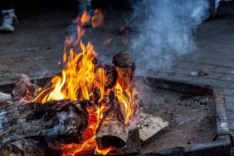 photo-campfire-01.jpeg